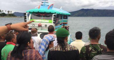 Kapal Tenggelam Danau Toba