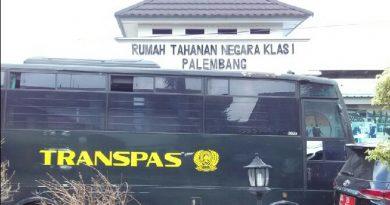 Berita : Coba Kabur, Pecatan TNI Gagal Panjat Tembok Lapas 8 Meter