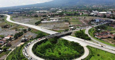 Berita : Tarif Normal Mulai Berlaku Senin, Tol Jakarta-Surabaya Rp 660.500