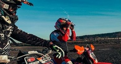 Petrucci dan Dovizioso Latihan Motorcross, Rossi Tantang Balapan.
