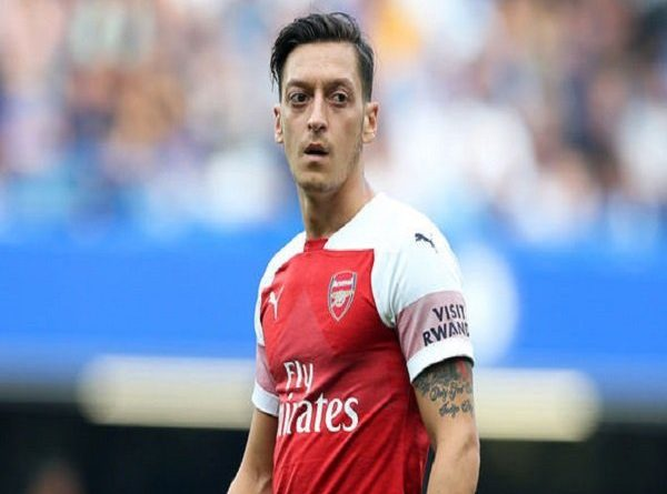 Demi Bisa Beli Pemain Baru, Unai Emery Minta Arsenal Segera Jual Mesut Ozil